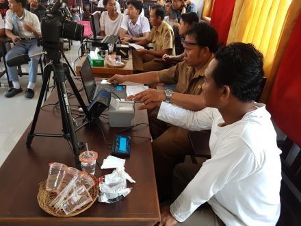 Jemput Bola Perekaman KTP-El  di Desa Pemuteran oleh Dinas Kependudukan dan Catatan Sipil