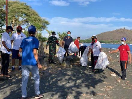 World Clean Up Day Desa Pemuteran